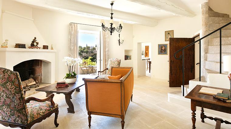 la bastide de gordes La Maison de Constance living room