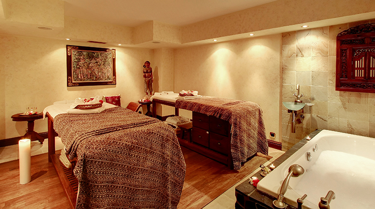 alchymist grand hotel spa treatment room