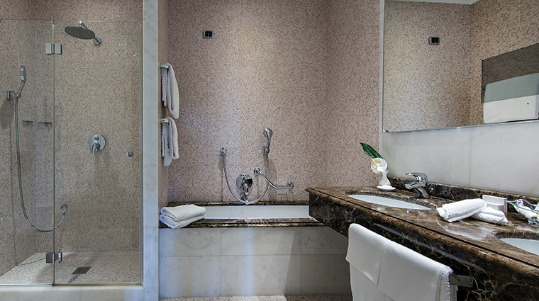 Aldrovandi Villa Borghese Deluxe Bathroom