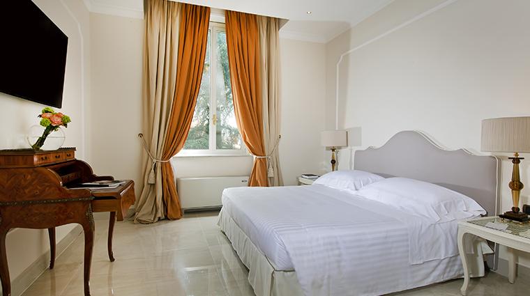Aldrovandi Villa Borghese Executve suite bedroom