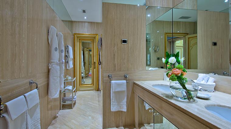 Aldrovandi Villa Borghese Penthouse Bathroom