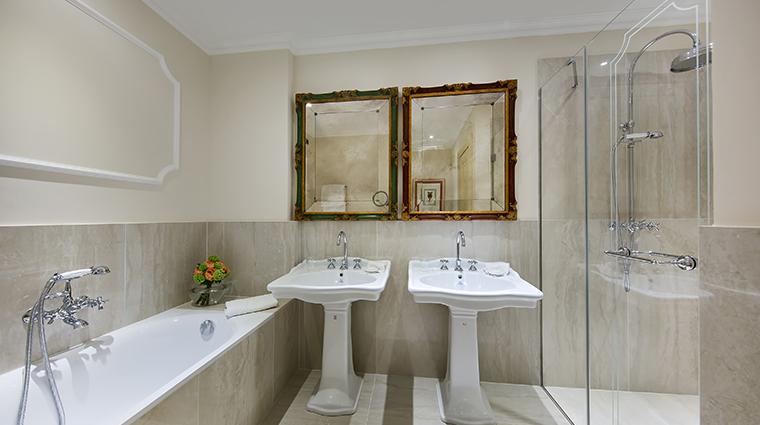 Aldrovandi Villa Borghese Signature Bathroom