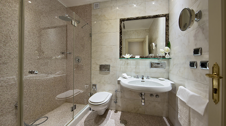 Aldrovandi Villa Borghese Superior Bathroom