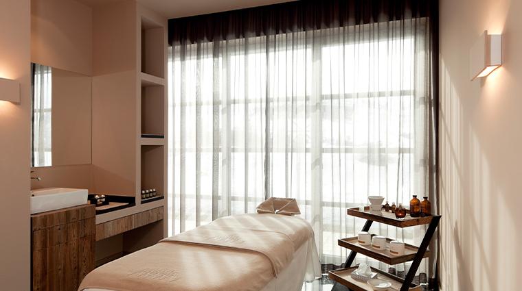 alpina dolomites massage room