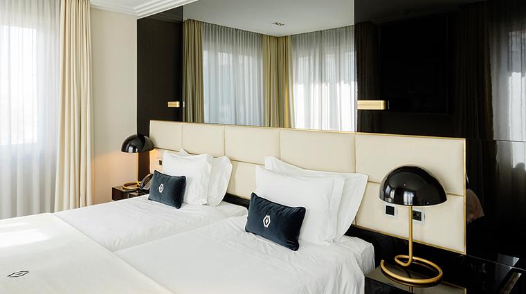 altis avenida hotel deluxe room
