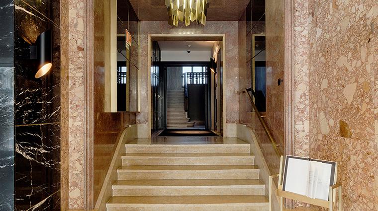 altis avenida hotel details