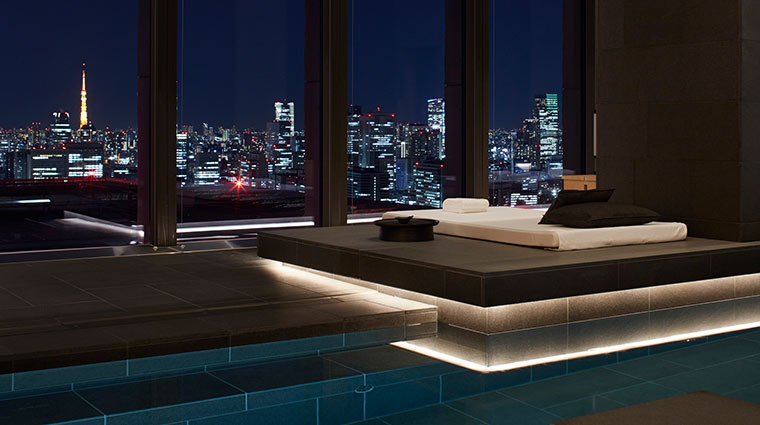 Aman Tokyo Pool night