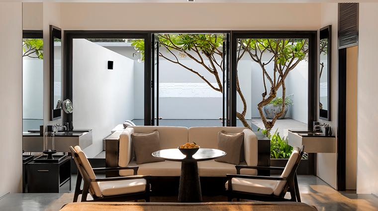 amansara pool suite living area