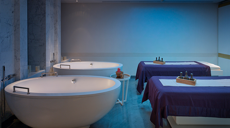 amnis spa at four seasons hotel moscow treatment room