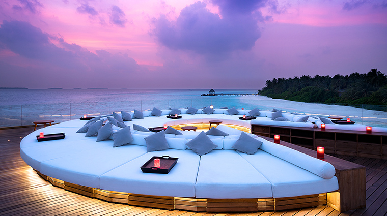 anantara kihavah maldives villas SKY sunset
