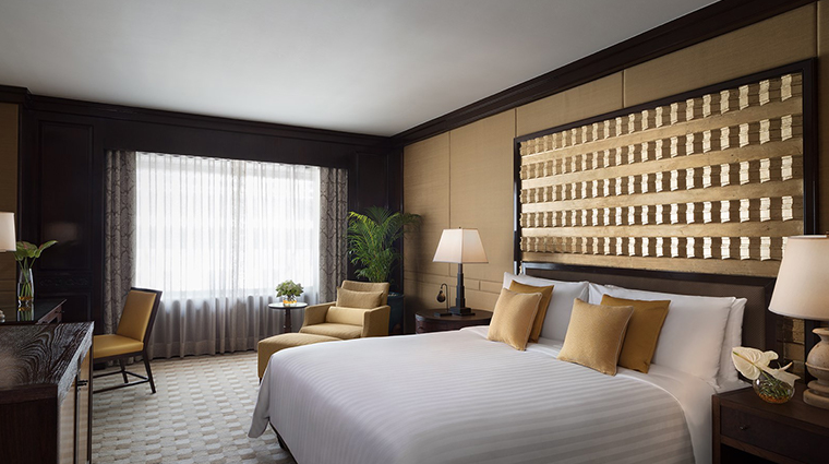 anantara siam bangkok hotel one bedroom corner