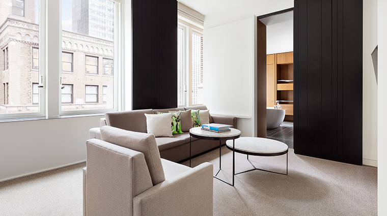 andaz 5th avenue splash suite living room
