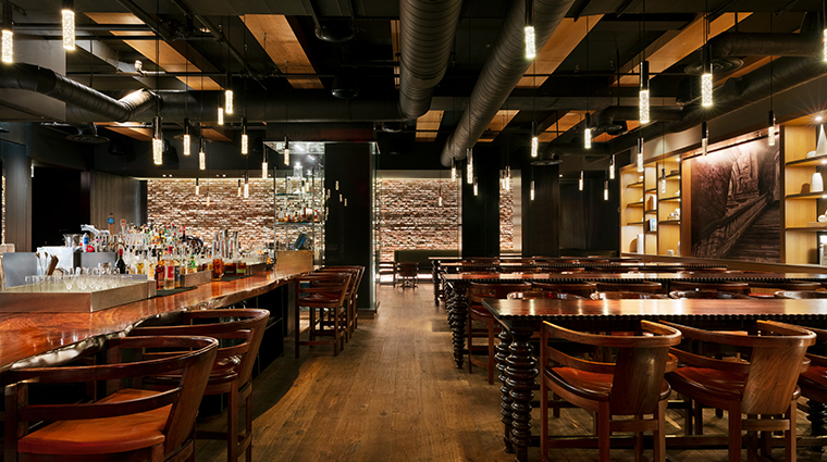 andaz 5th avenue the bar and kitchen