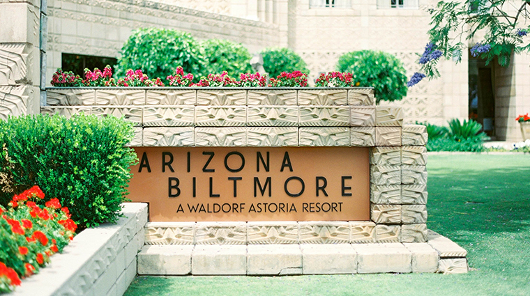 arizona biltmore a waldorf astoria resort entrance