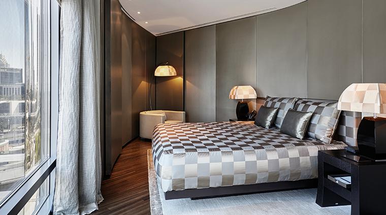 armani hotel dubai premiere suite bedroom