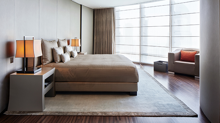 armani hotel dubai signature suite bedroom