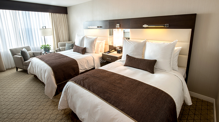 aspire at mohegan sun deluxe room double bed