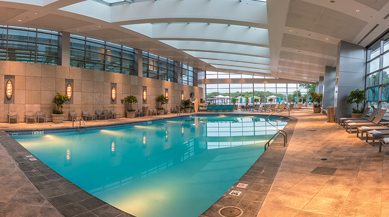 aspire at mohegan sun sky tower pool