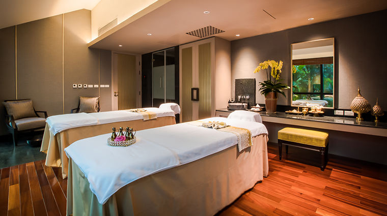 athenee spa couples treatment room