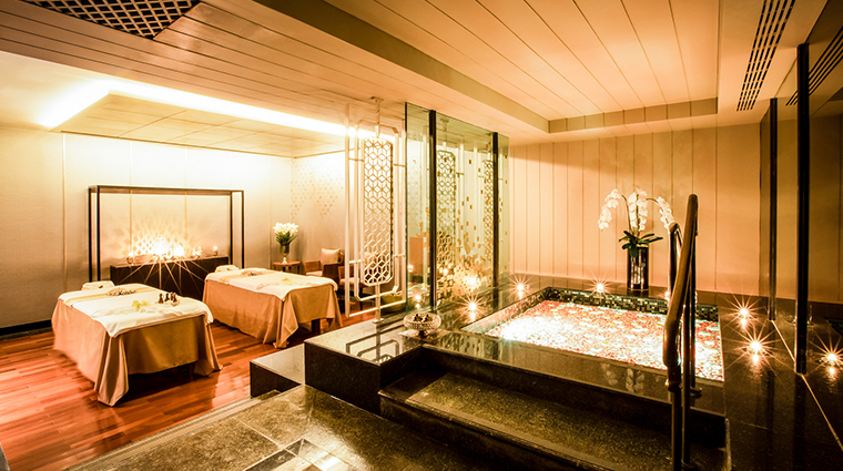 athenee spa suite room
