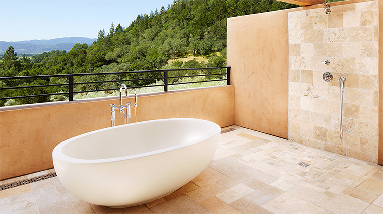 auberge du soleil maison outdoor shower