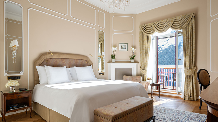 7 badrutts palace hotel guestroom2