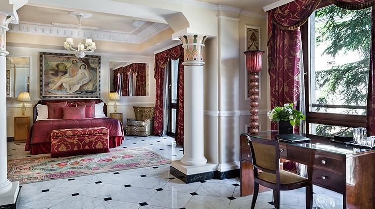 Baglioni Hotel Carlton art deco suite
