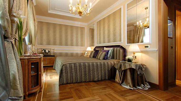 Baglioni Hotel Carlton deluxe room