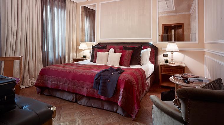 Baglioni Hotel Carlton superior room