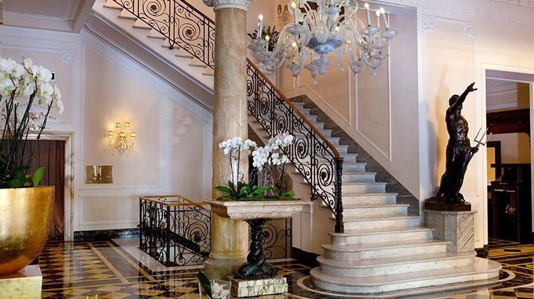 Baglioni Hotel Regina lobby