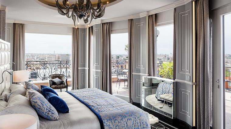 Baglioni Hotel Regina penthouse master
