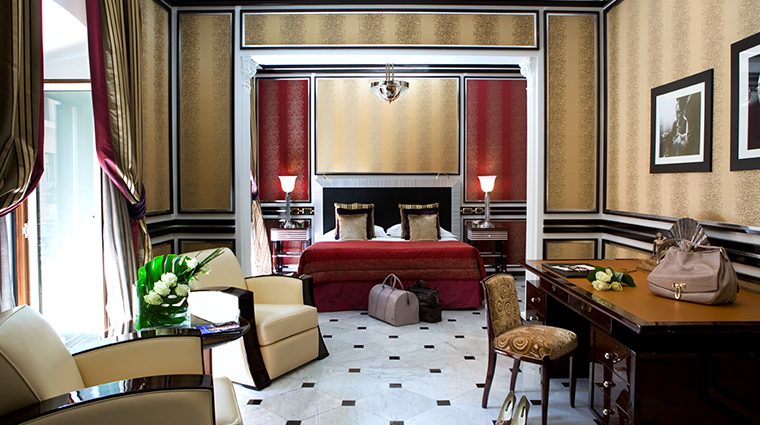 Baglioni Hotel Regina sitting area and bedroom