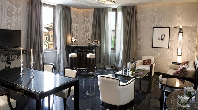 Baglioni Hotel Regina suite living room