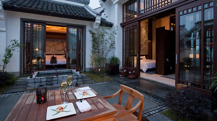 Banyan Tree Hangzhou outside dining