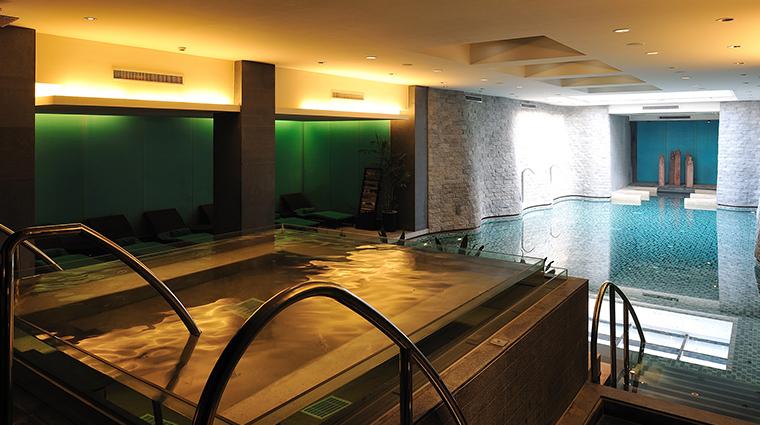 Banyan Tree Hangzhou pool