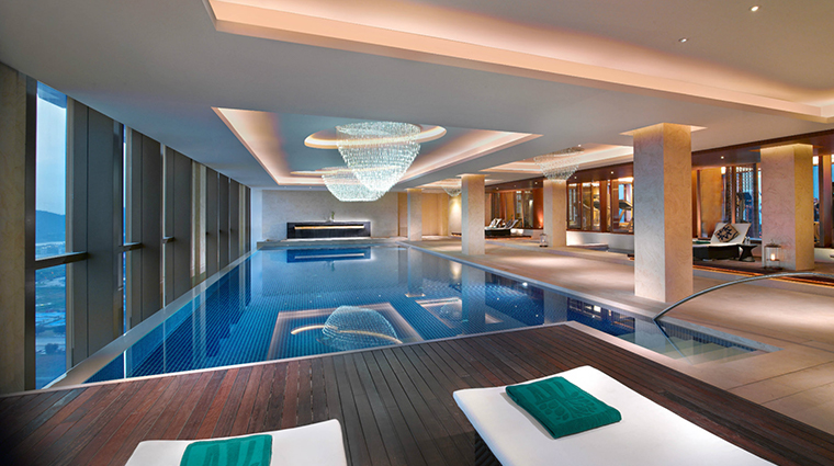 banyan tree macau new health club pool