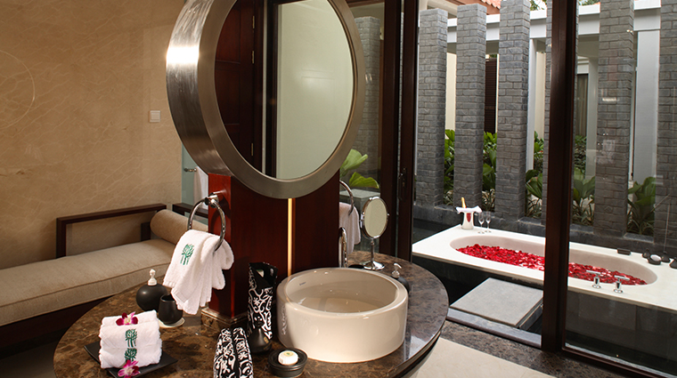 banyan tree sanya GuestRoom Pool Villa Outdoor Bath