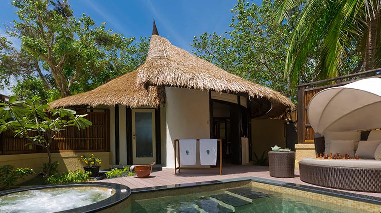 banyan tree vabbinfaru beachfront pool villa