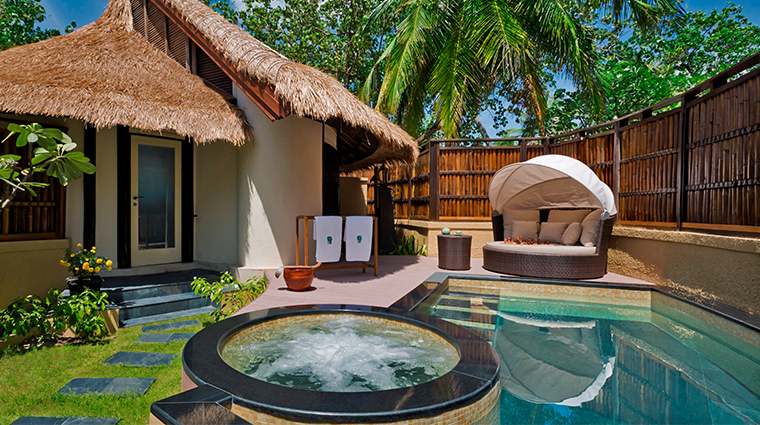 banyan tree vabbinfaru beachfront villa pool