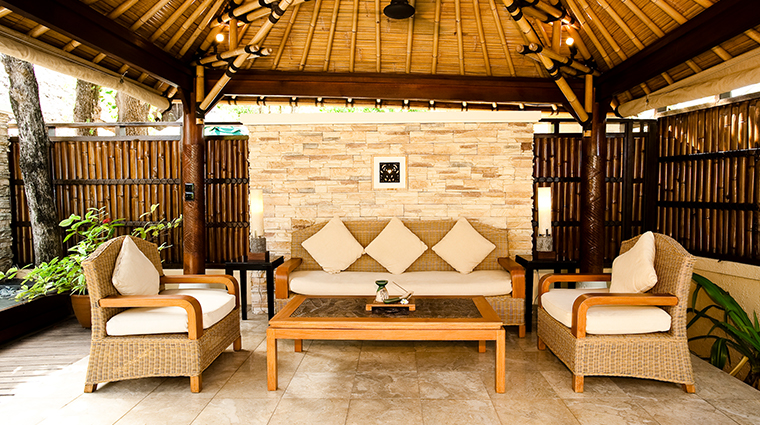 banyan tree vabbinfaru outdoor living area