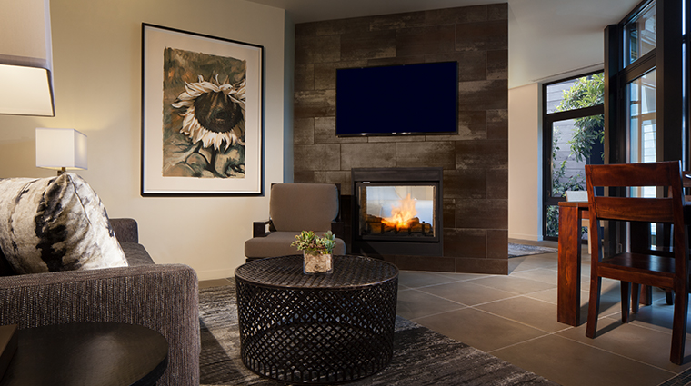 bardessono hotel and spa suite fireplace
