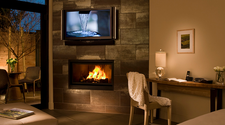 bardessono hotel and spa tufa suite fireplace