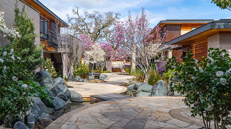 bardessono hotel and spa walkway