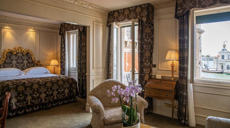 bauer palazzo guestroom