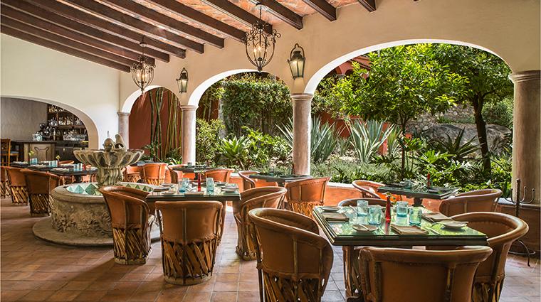 casa de sierra nevada a belmond hotel san miguel de allende Restaurante del Parque interior landscape