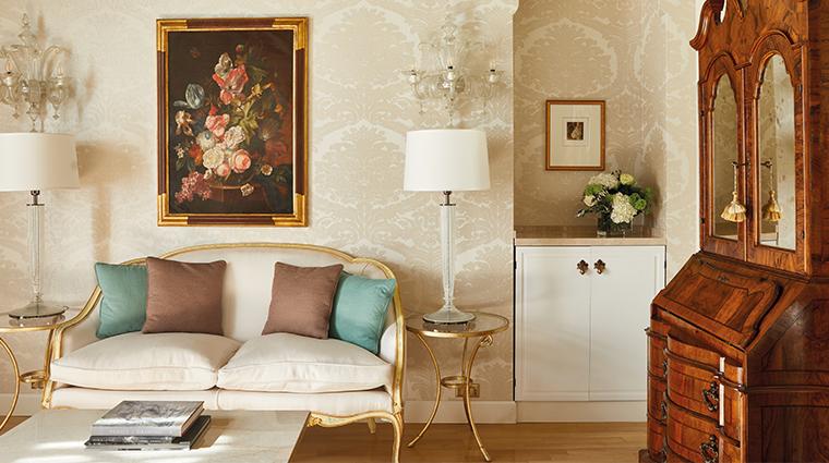 belmond hotel cipriani suite living room