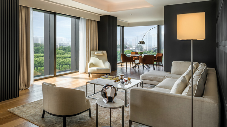bulgari hotel beijing deluxe suite living room