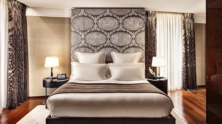 bulgari hotel london deluxe suite bedroom