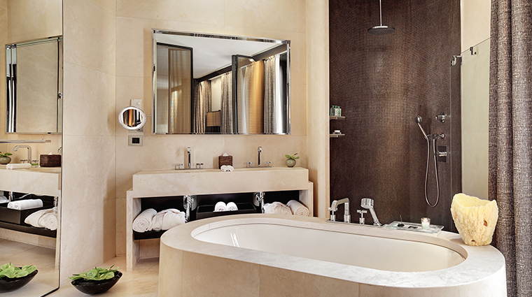 Bulgari Hotel Milan Suite bathroom
