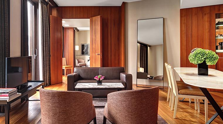 Bulgari Hotel Milan premium suite